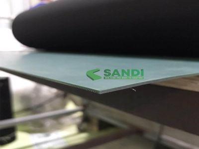 Băng tải PU bo mép chống tĩnh điện dày 1.5mm